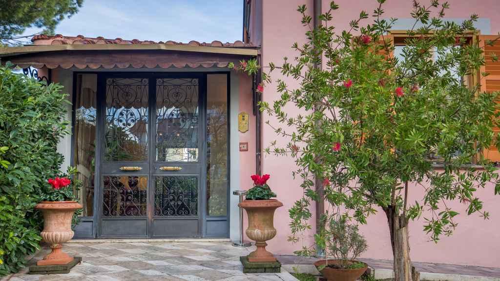 Hotel-Arco-Di-Travertino-ingresso-3