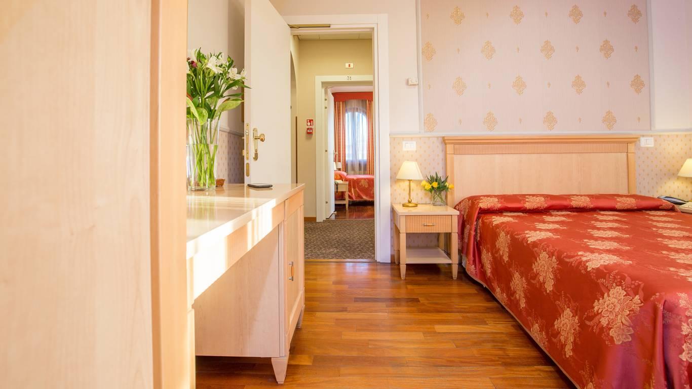 Subito It Camera Matrimoniale.Hotel Arco Di Travertino Roma Camera Matrimoniale