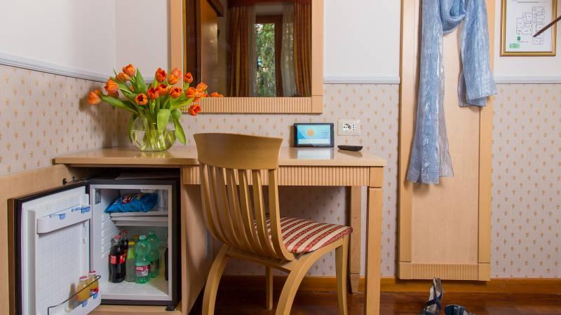 Hotel-Arco-Di-Travertino-facilities-single-room-2